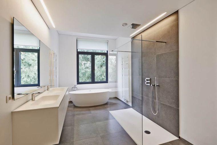 bano-amplio-ducha-banera-ideas