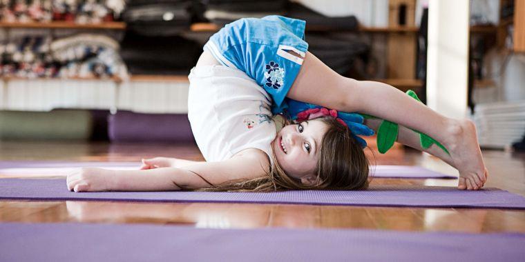 beneficios del yoga elasticidad