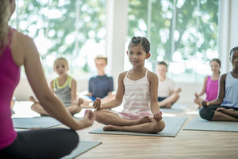 beneficios del yoga relajacion