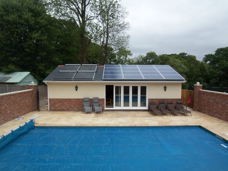 how-to-heat-swimming-pools-solar-energy