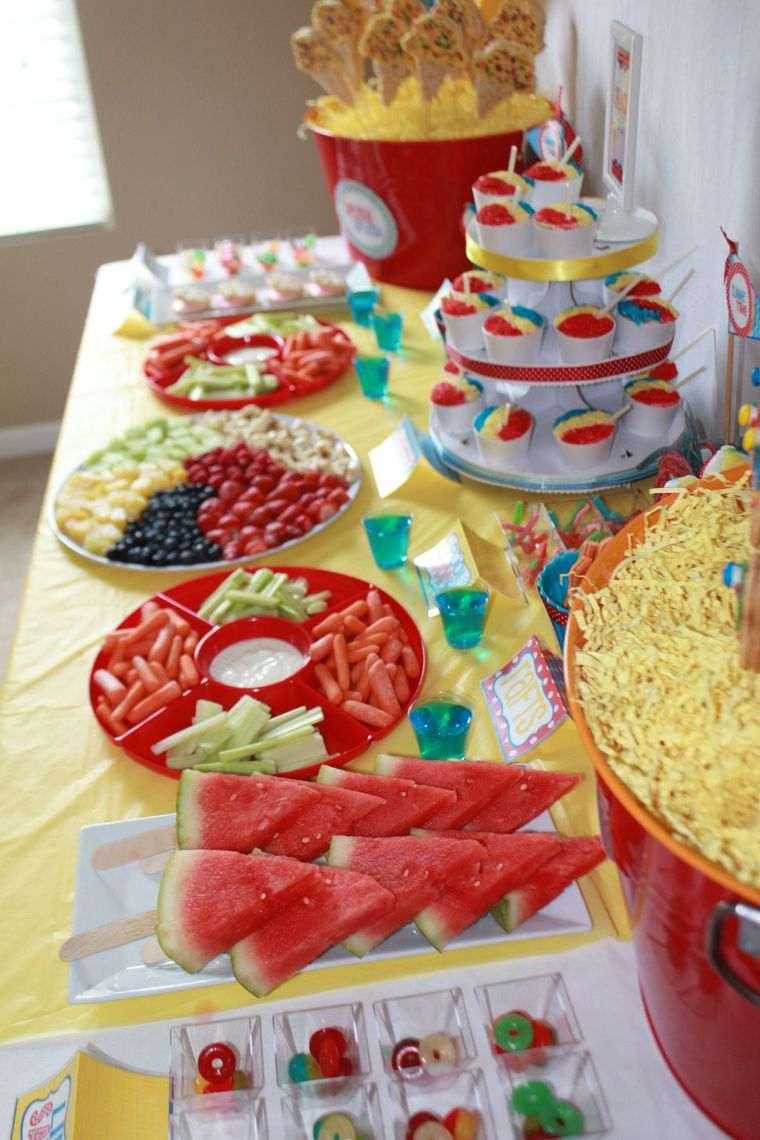 fiesta de cumpleaños con frutas