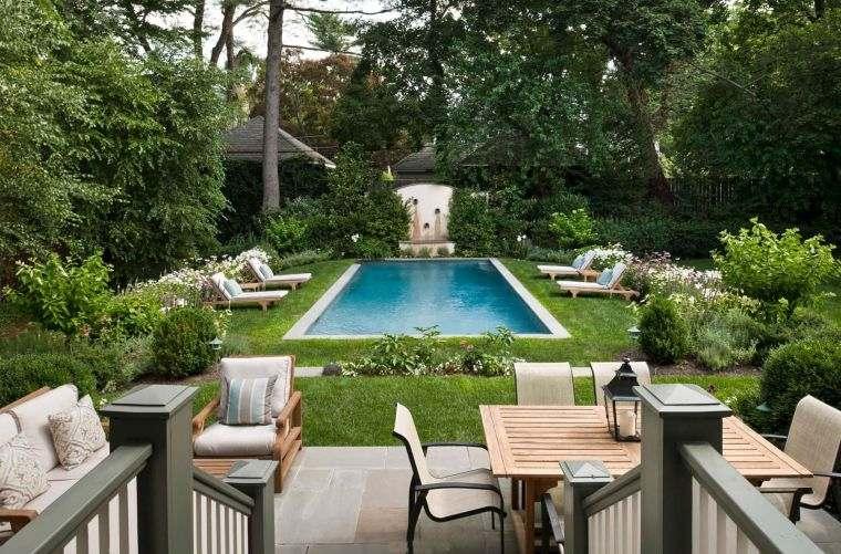 jardin-clasico-bello-piscina