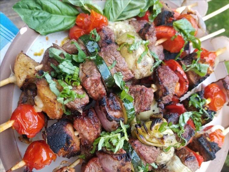 La parrilla – Sencillos trucos y recetas para cocinar una rica barbacoa