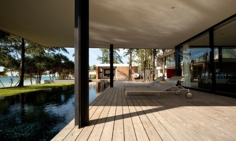 piscina-jardin-diseno-bajo-pergola
