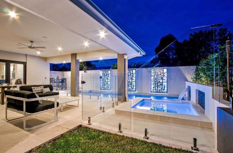 piscina-pequena-jardin-moderno