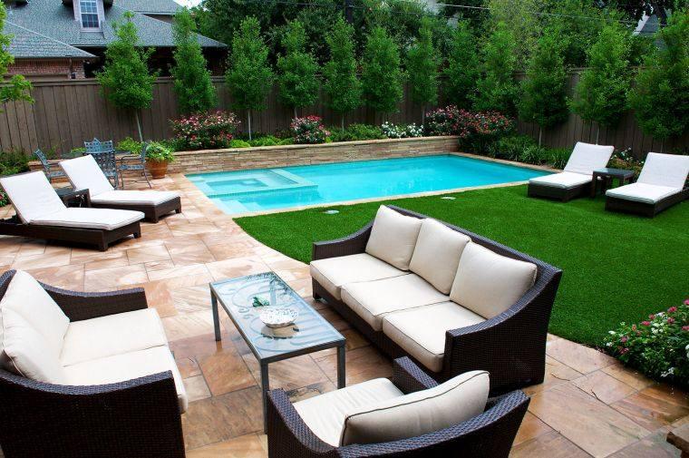 piscina-pequena-jardin-trasero-diseno