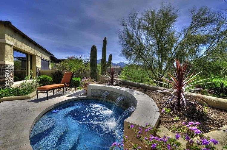piscina-pequena-jardin-trasero-forma