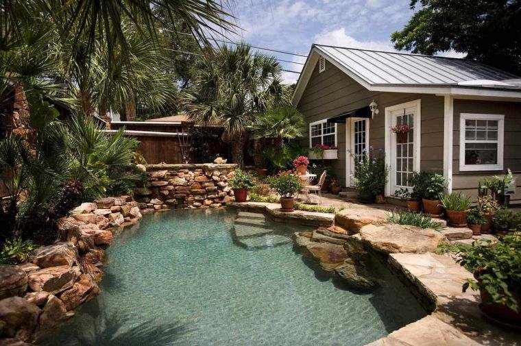 piscina-pequena-jardin-trasero-oasis