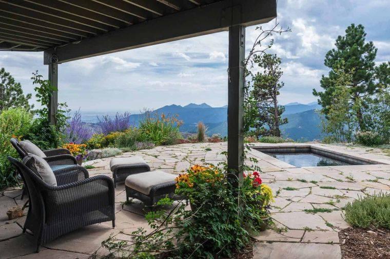piscina-pequena-jardin-trasero-vistas