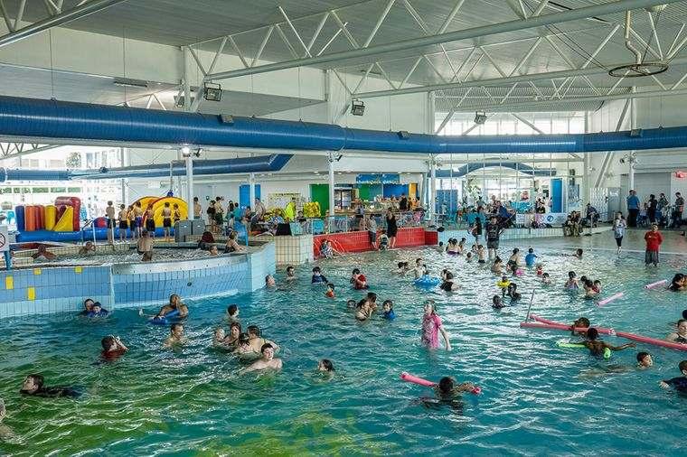 piscina pública prevenir contagio