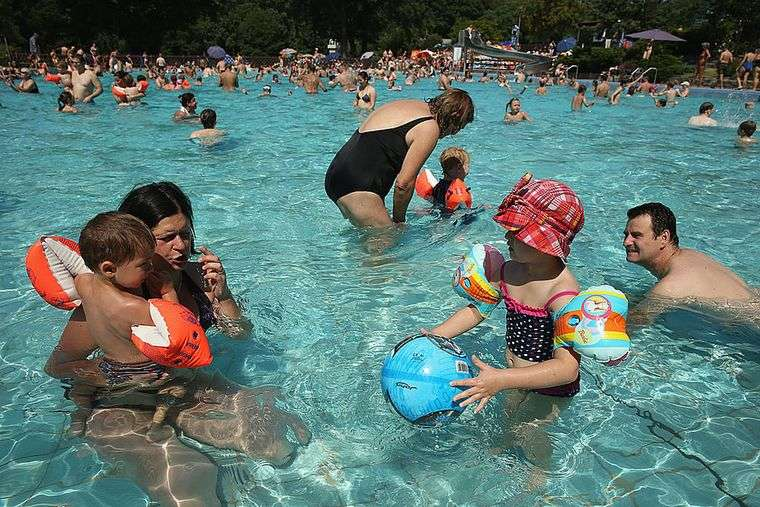 piscina pública propagacion virus