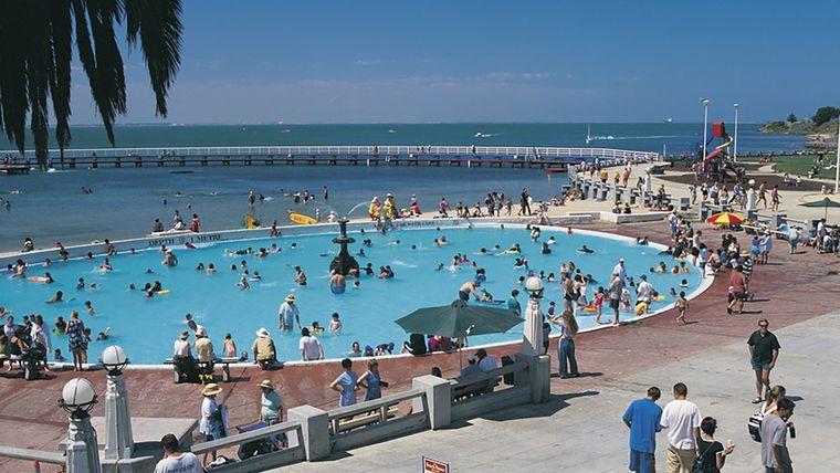 piscina pública virus pandemia
