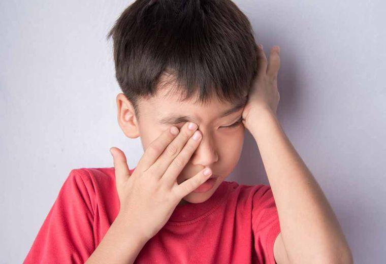 rinitis alérgica ojos irritados