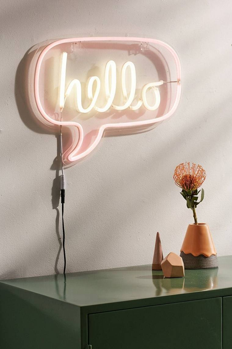 senales-luminosas-neon-hello