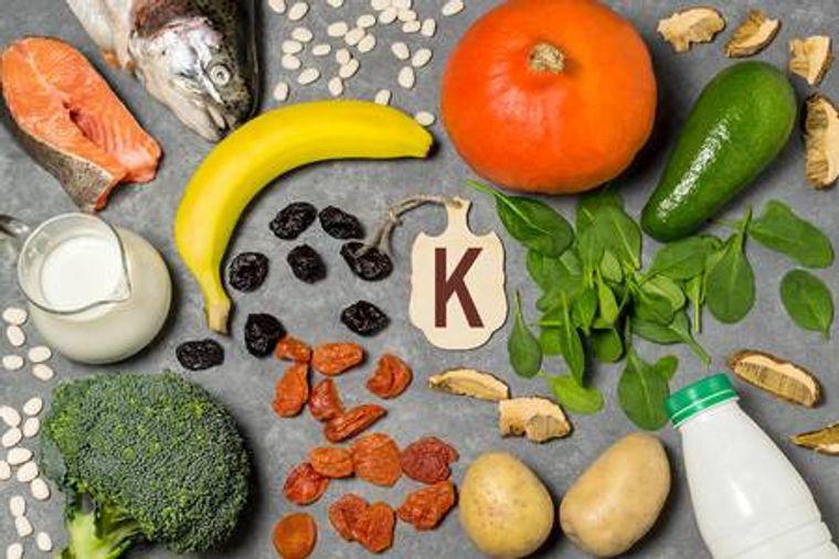 vitaminas y minerales vitamina K