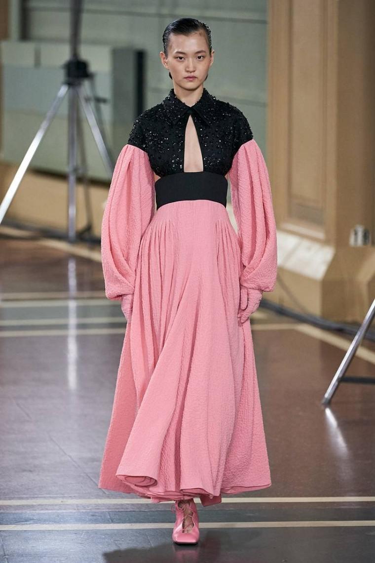 Emilia-Wickstead-diseno-vestido-2020