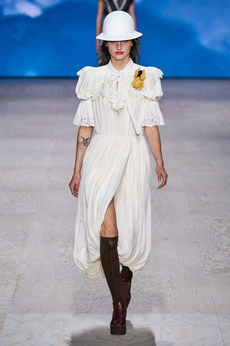 Louis-Vuitton-vestido-blanco-2020