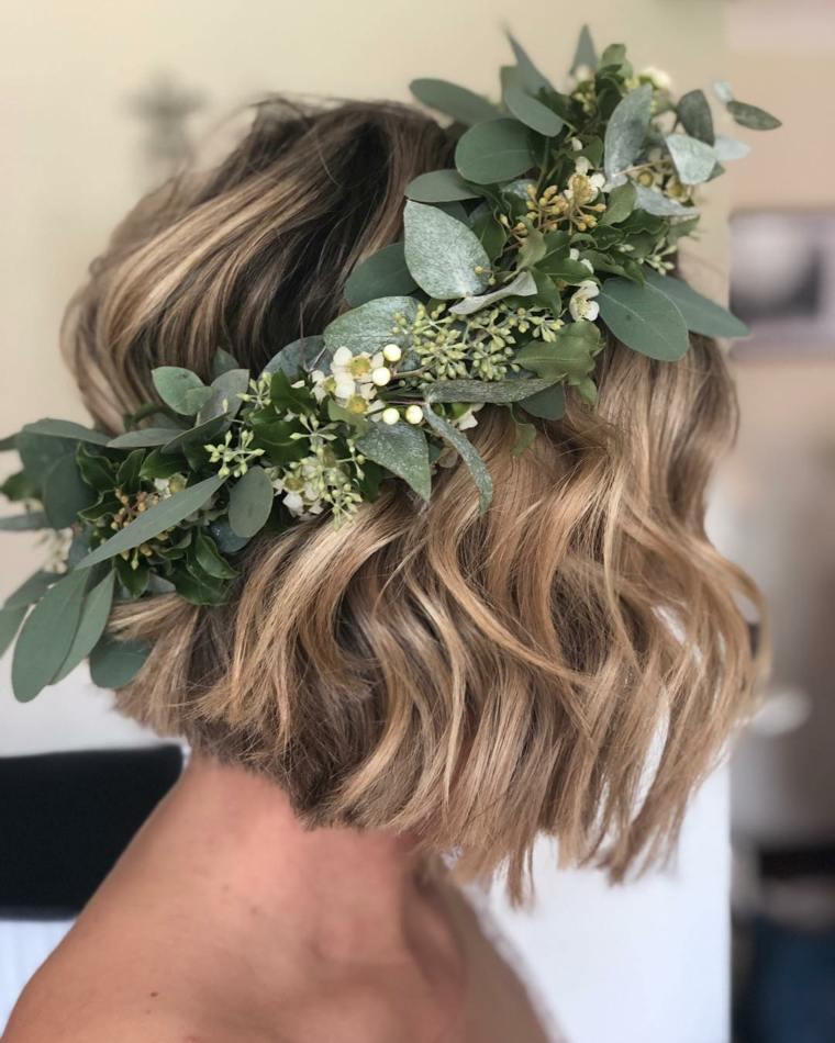 Peinados-para-bodas-pelo-corto-corona-flores