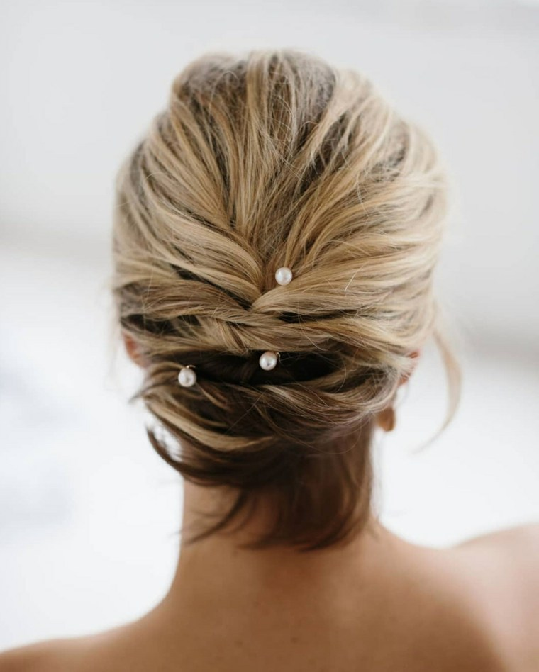 Peinados-para-bodas-pelo-corto-recogido-mono