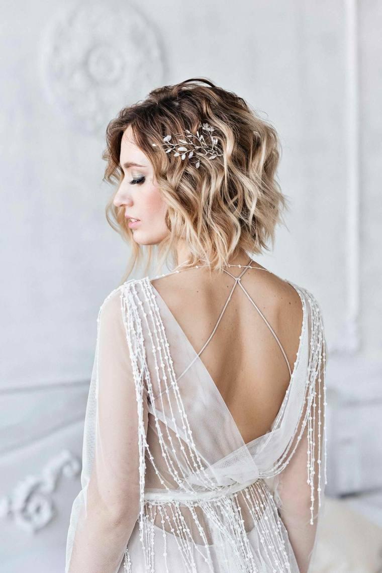 peinados para bodas pelo corto-rubio-ondulado