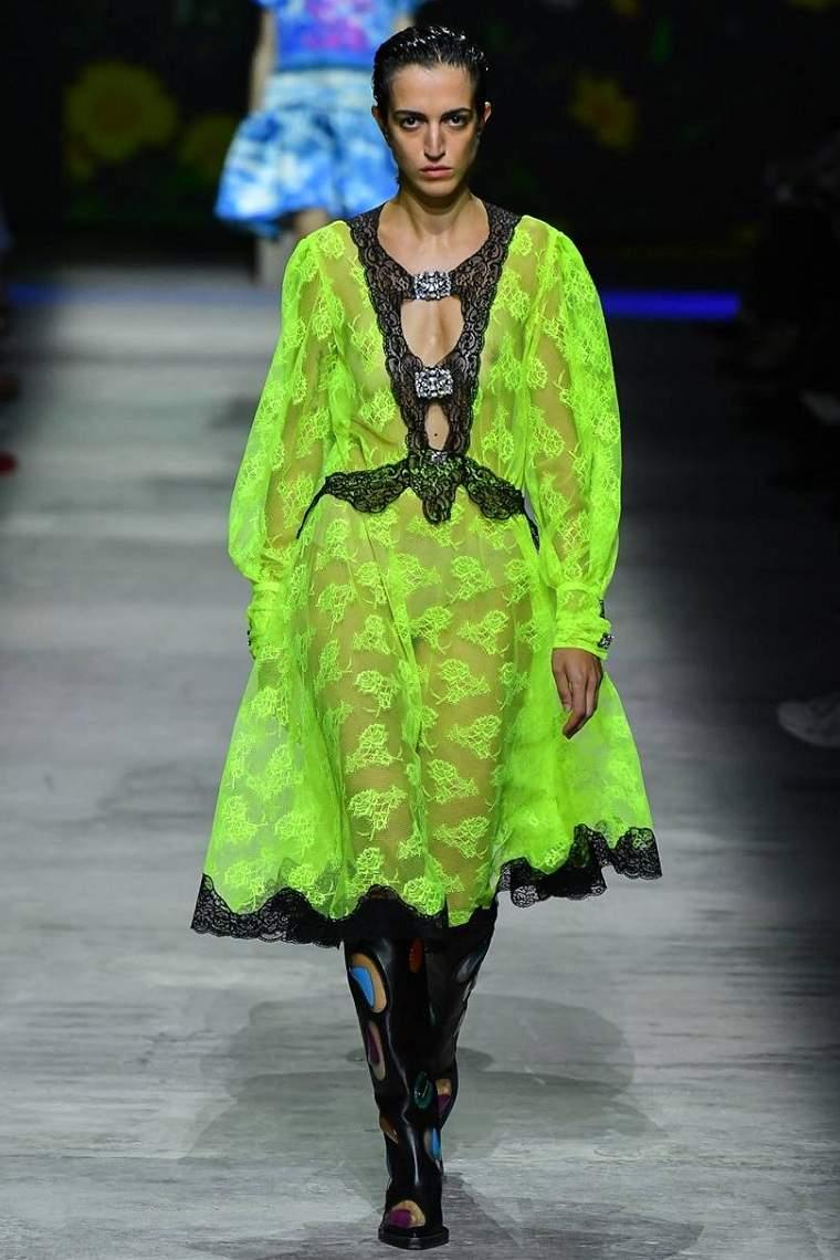 Tendencias-moda-primavera-verano-2020-Christopher-Kane