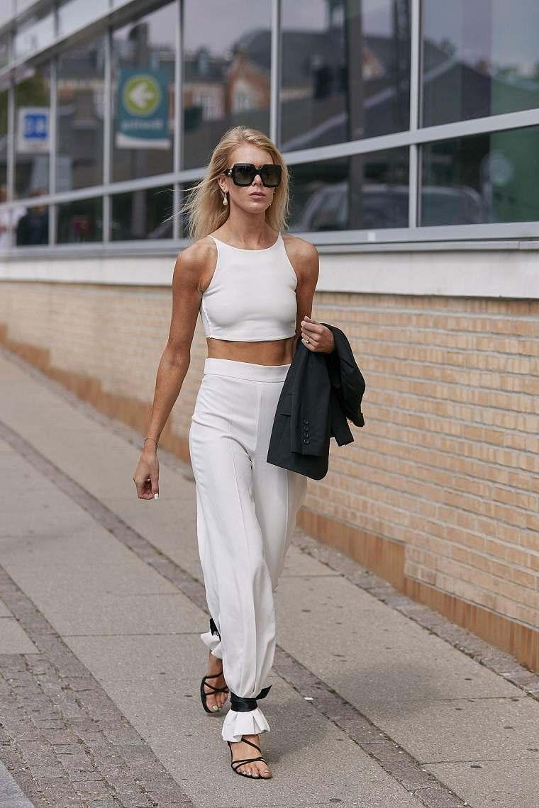 Tendencias-moda-primavera-verano-2020-conjunto-blanco