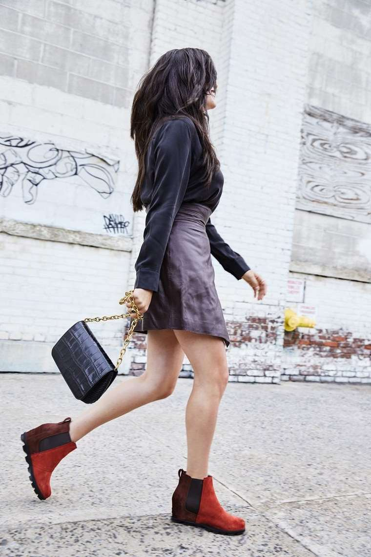 Tendencias-moda-primavera-verano-2020-falda-cuero