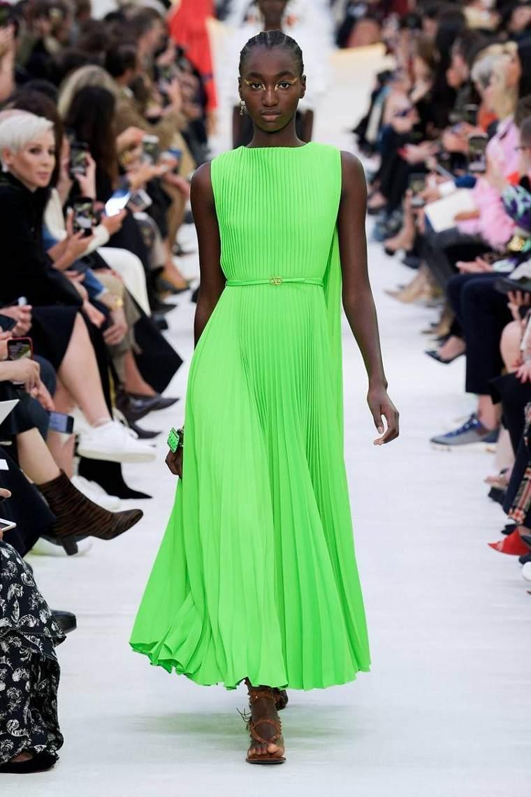 Tendencias-moda-primavera-verano-2020-valentino