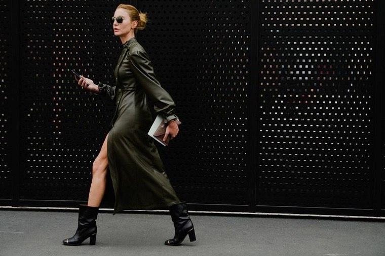 Tendencias-moda-primavera-verano-2020-vestido-cuero