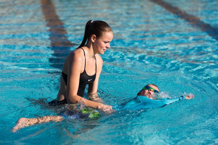aprender a nadar flotar