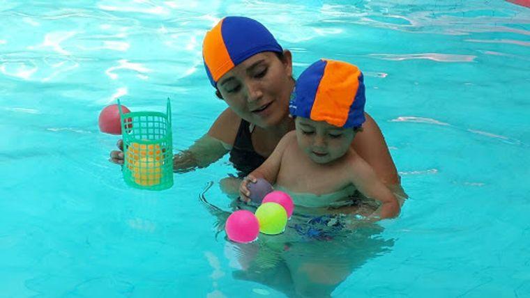 aprender a nadar juego