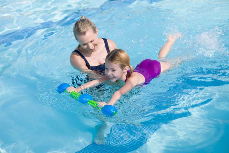 aprender a nadar movimientos