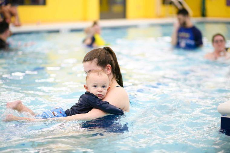 aprender a nadar patadas