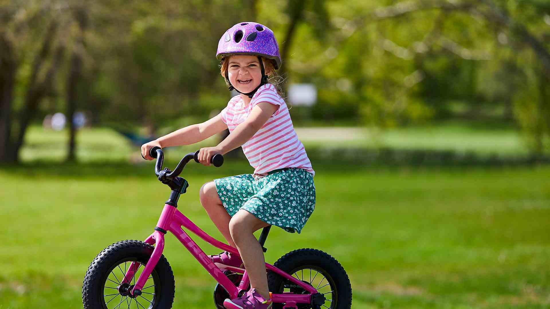 aprender-montar-bici-nina
