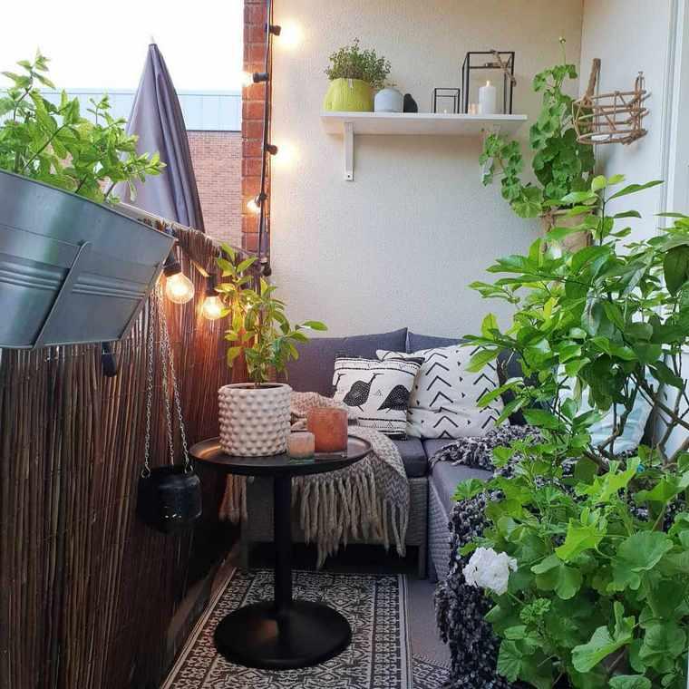 balcon-pequeno-diseno-sofa