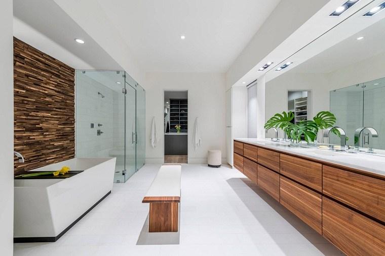 bano-blanco-detalles-madera