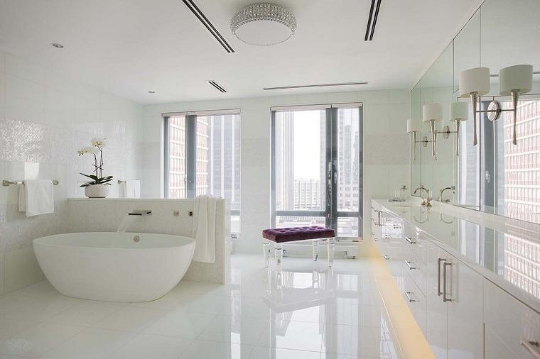 bano-blanco-estilo-ventanas