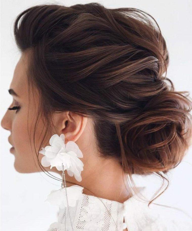 cabello-oscuro-mujer-recogido-ideas-estilo