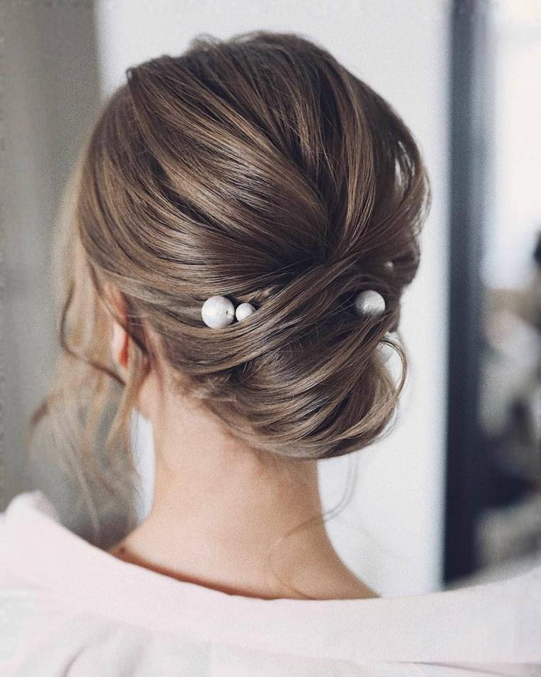 cabello-recogido-detalle-perlas