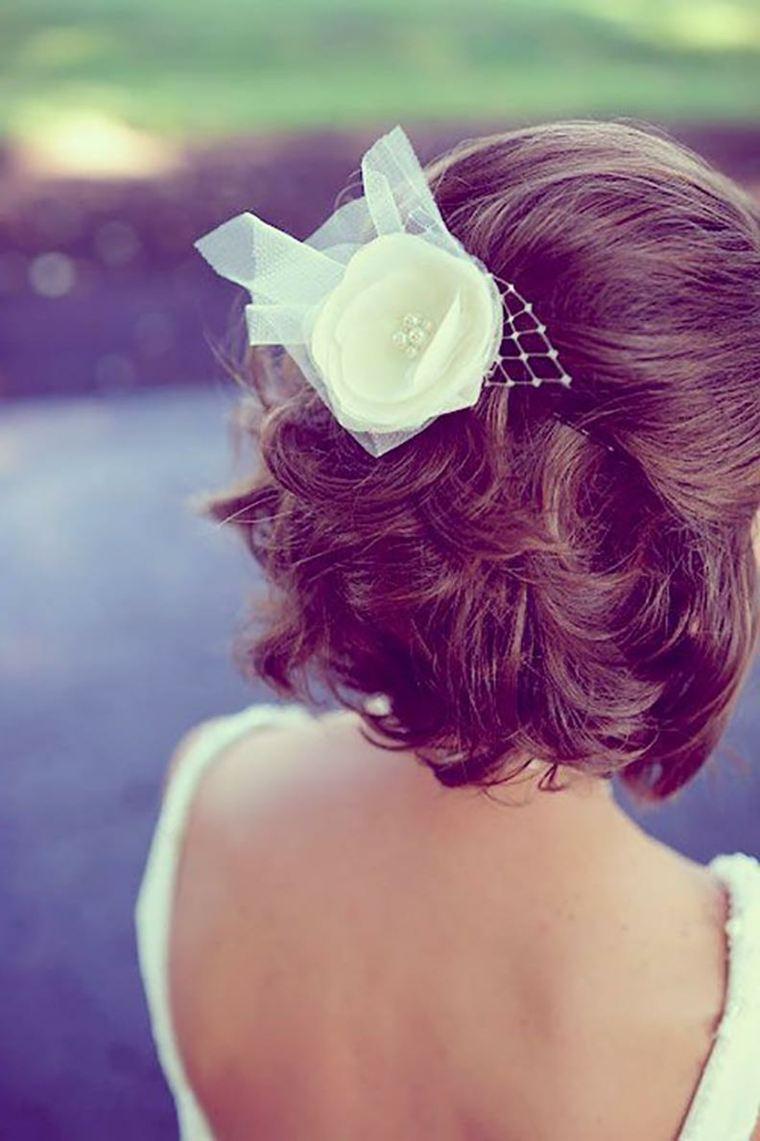 cabello-semirecogido-ideas-peinado-cabello-corto