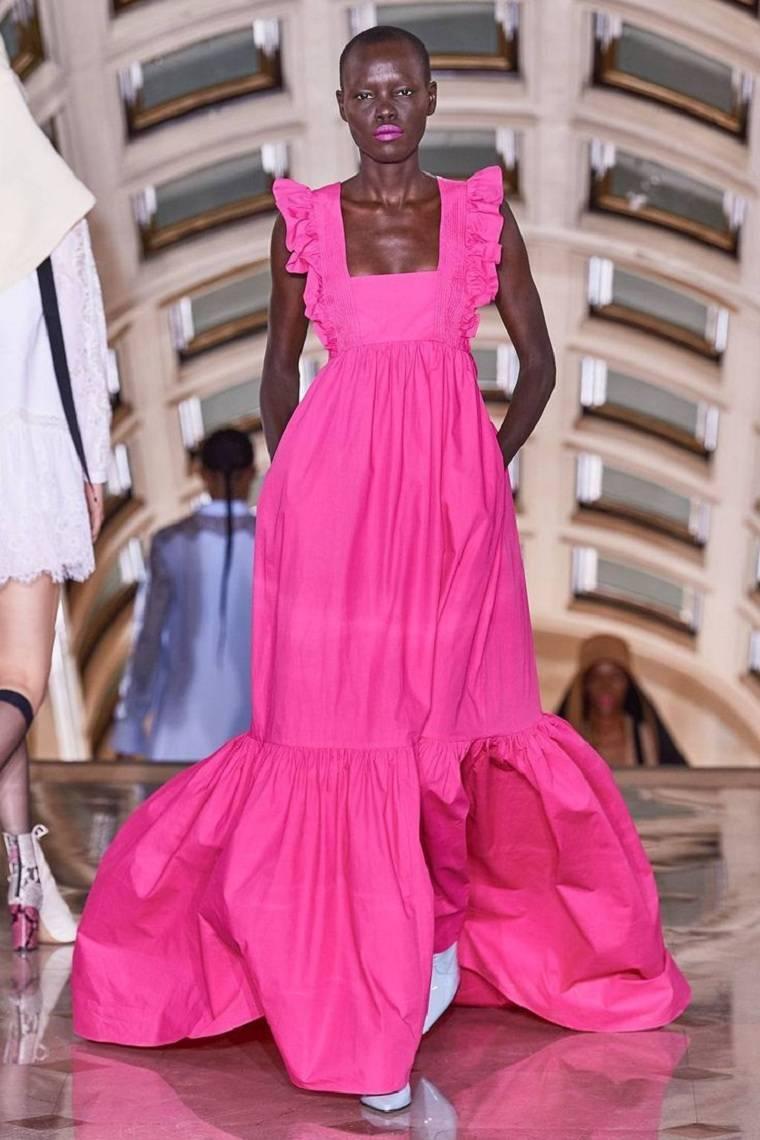 color-rosa-fucsia-estilo-pasarela