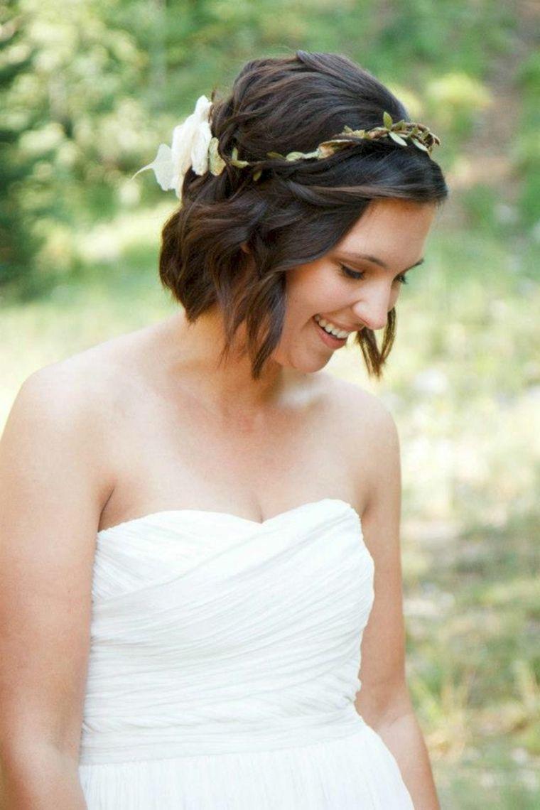 corona-flores-cabello-corto-estilo-rizos-ideas