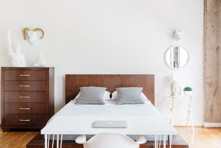 dormitorio minimalista blanco madera