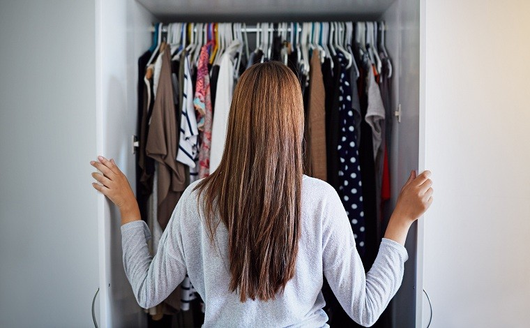 la primera cita-ropa-armario