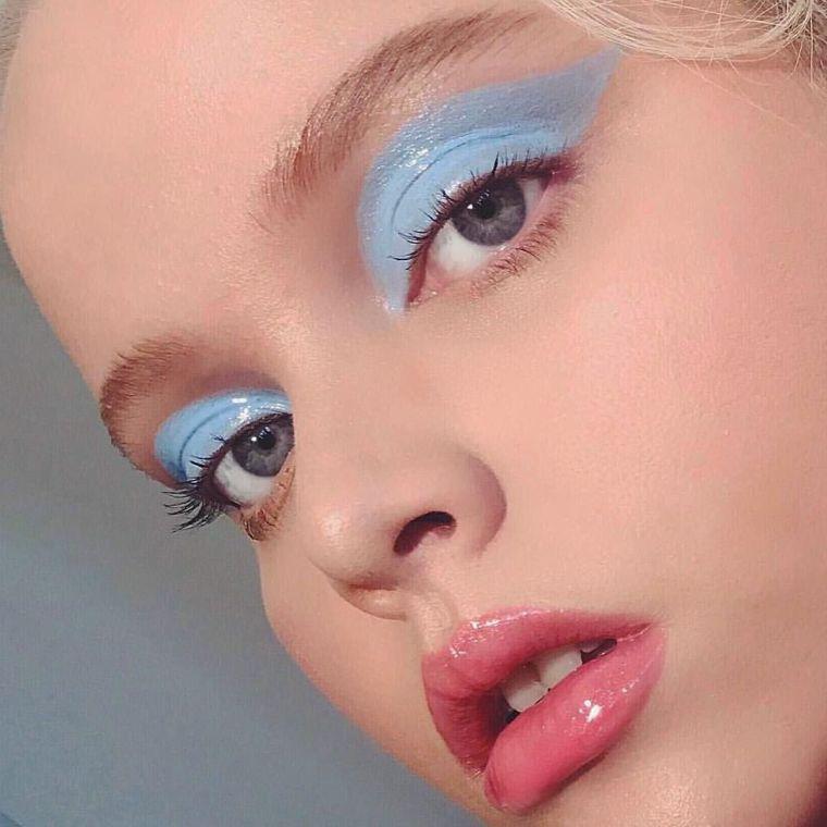 maquillaje-azul-claro