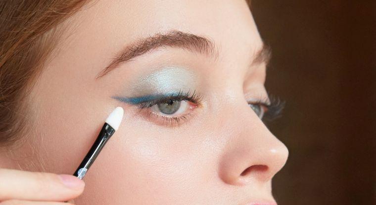 maquillaje de ojos-azul-elegante