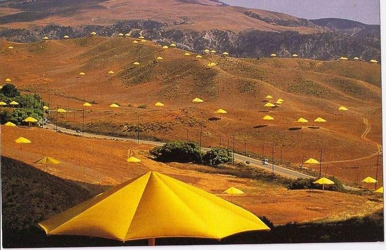 obras de arte paraguas california
