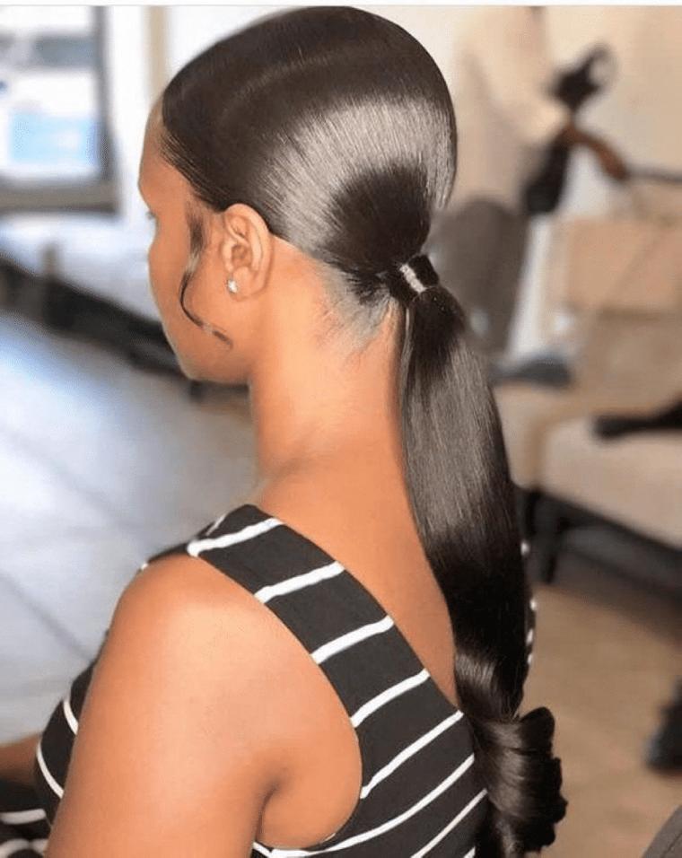 peinados con cola de caballo lisos
