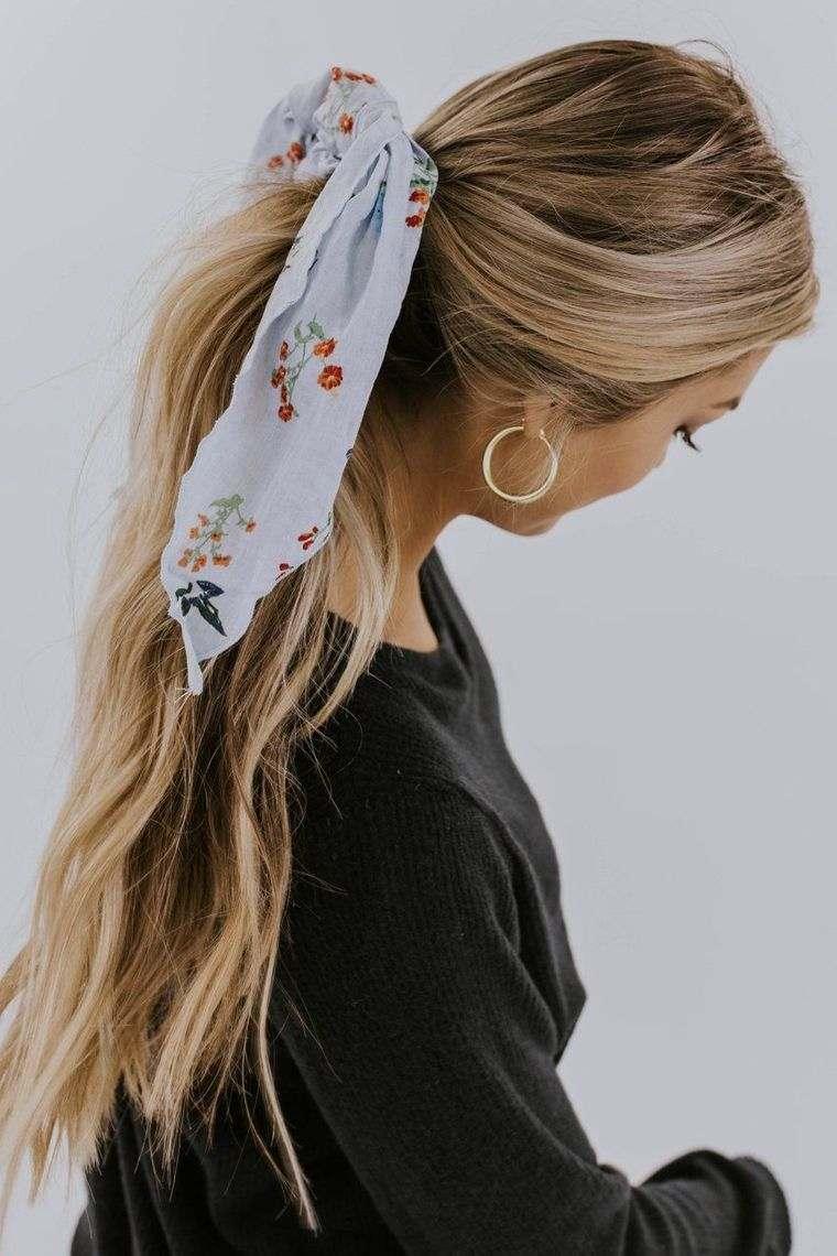 peinados con cola de caballo pañuelo