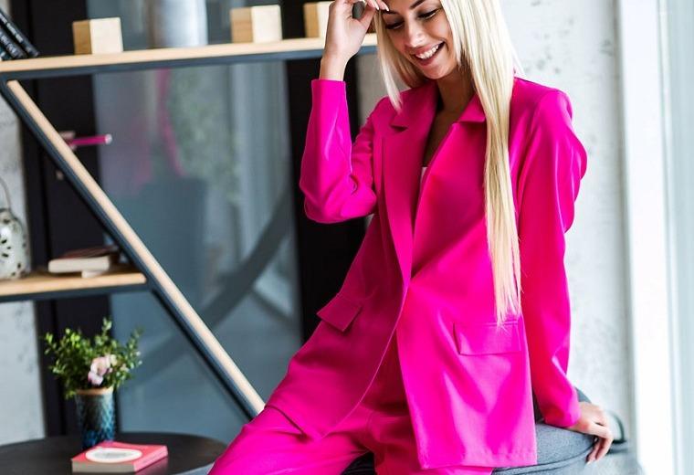 rosa-fucsia-idea-traje-mujer